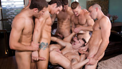 Hungover : Landon Conrad, Parker London, Connor Maguire, Jimmy Durano, Spencer Fox, Chris Tyler, Dylan Hauser