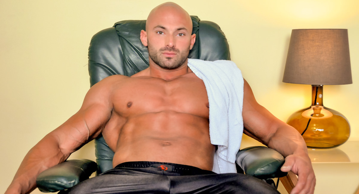 Gay Mature Men : Max Chevaliers Self-Satisfying Moment - Max Chevalier!