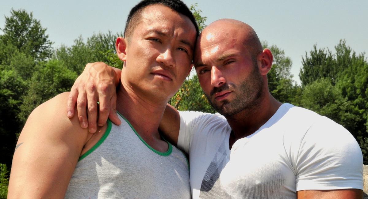Gay Mature Men : Pummelling Archers Ass - Archer Quan -amp; Max Chevalier!