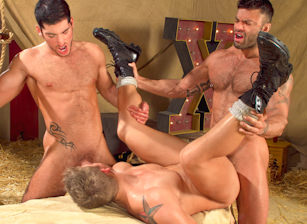 Behind The Big Top : Leo Domenico, Logan Vaughn, Rogan Richards