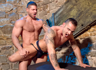 Sexo In Barcelona - Part 2 : Adrian Toledo, Axel Brooks