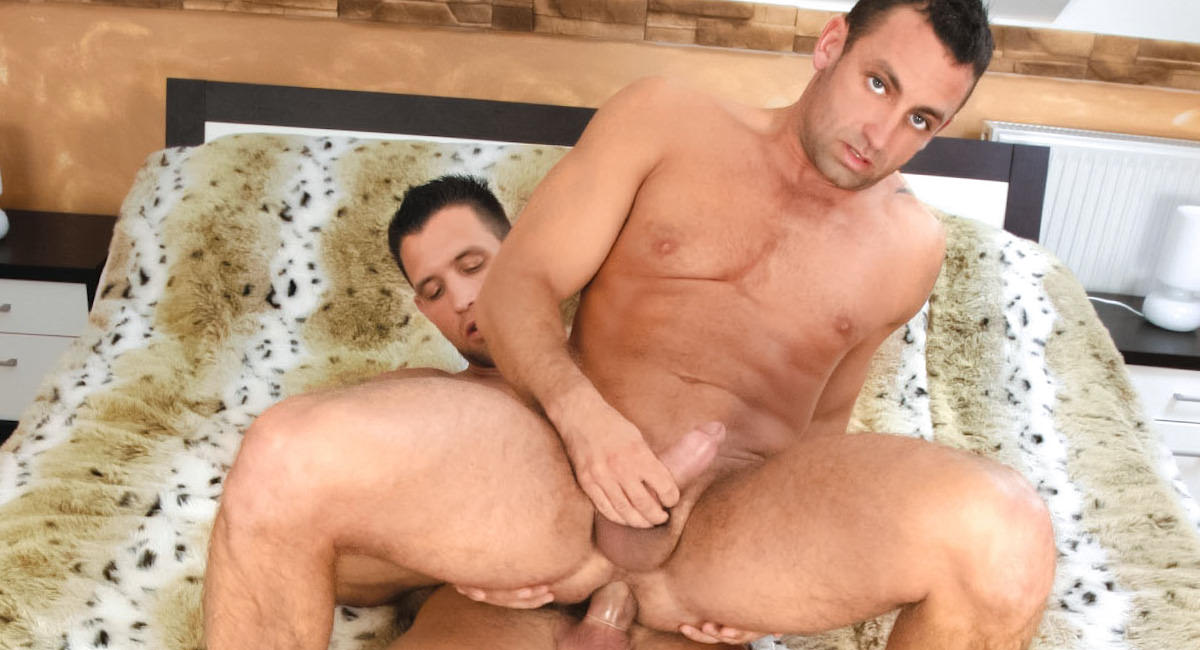 Gay Muscle Men : Isidore Nadas And Alex Lynch Fuck - Isidore Nadas -amp; Alex Lynch!