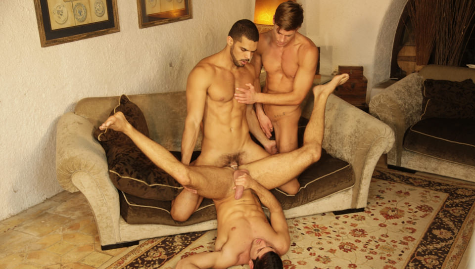 Head Hunting: Leo Domenico, Toby Dutch, Lucas Fox