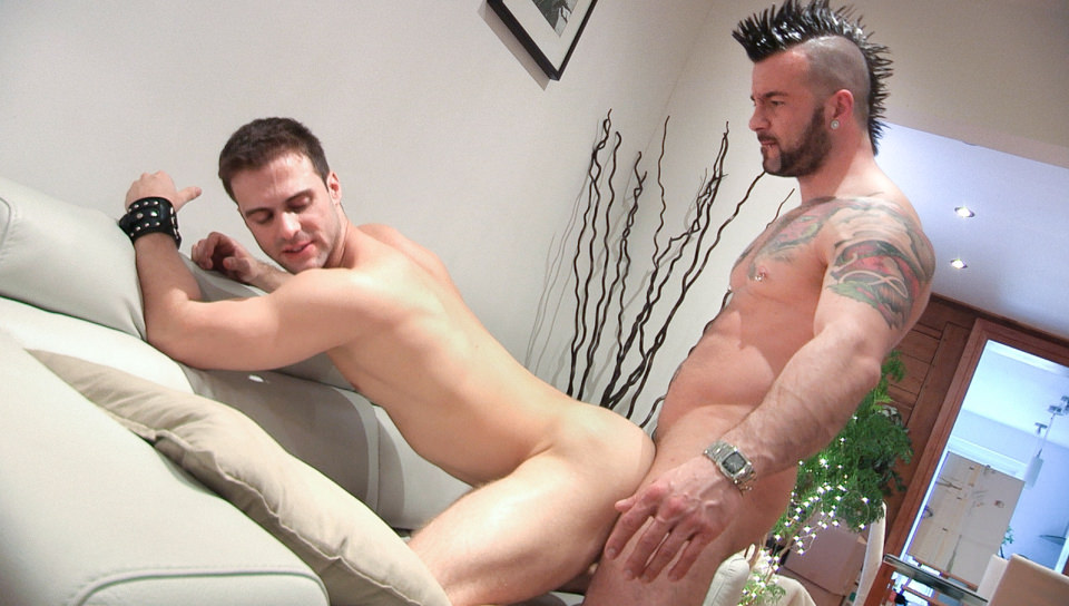 Manuel Deboxer & Gabriel Clark – Fucked By The Handyman