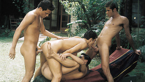 Absolute Aqua : Clint Williamson, Dylan Reece, Josh Stone, Spike