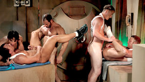 Trapped, Part 1 : Mike Grant, Brad Star, Derek Foster, Joey Milano, Darren Phillips