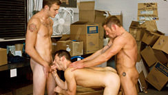 Laid-Off : Dean Tucker, Ari Silvio, Christian Wilde