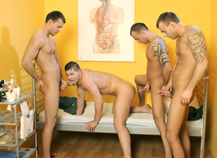 Hospital Foursome, Scene #01